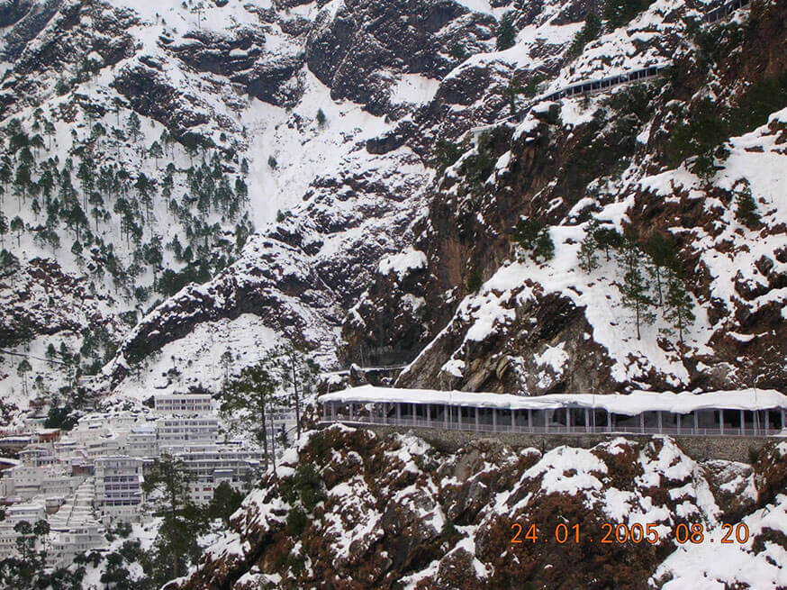 VAISHNO DEVI DARSHAN WITH KASHMIR TOUR